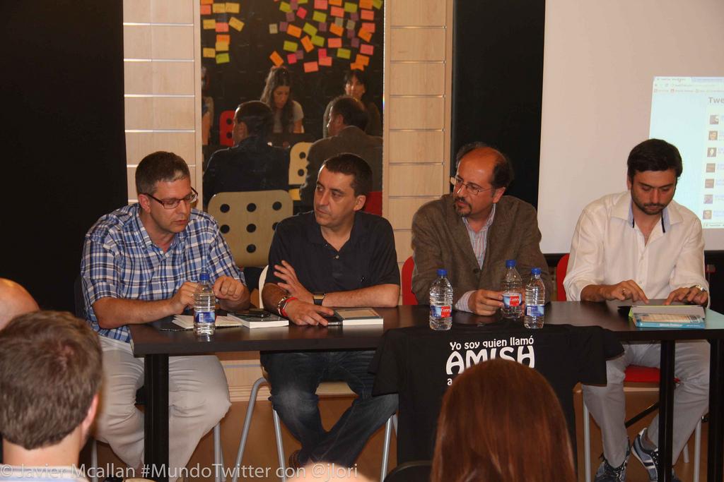 presentacion libro Mundo Twitter de José Luis Orihuela en Zaragoza